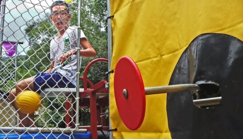 Dunk Tank, Escape Theme Park Penang
